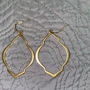Francesca's never worn gold outline earrings